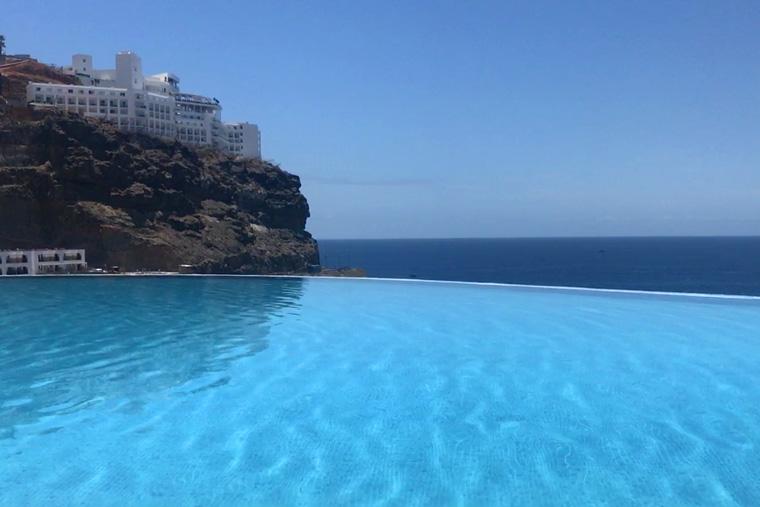 Gloria Palace Infinity Pool