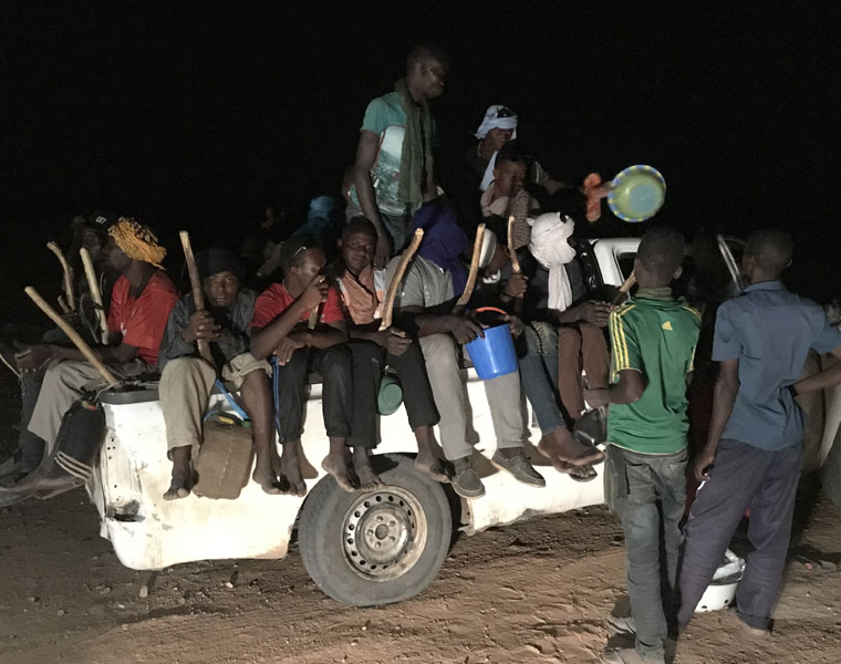 Migrants convoy in Agadez