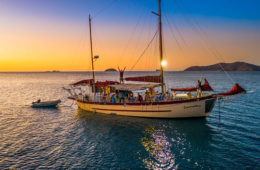 Whitsundays Sailing Boat