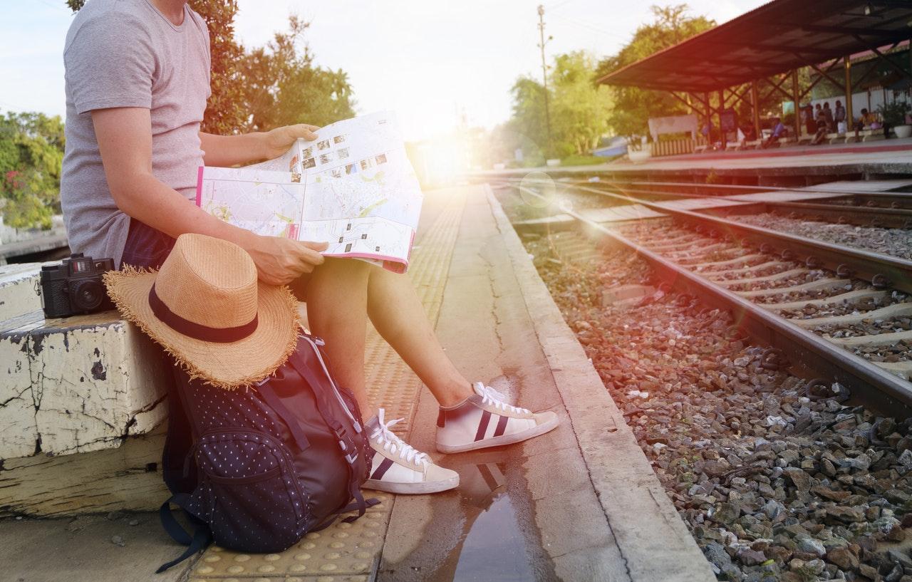 Traveller versus Tourist